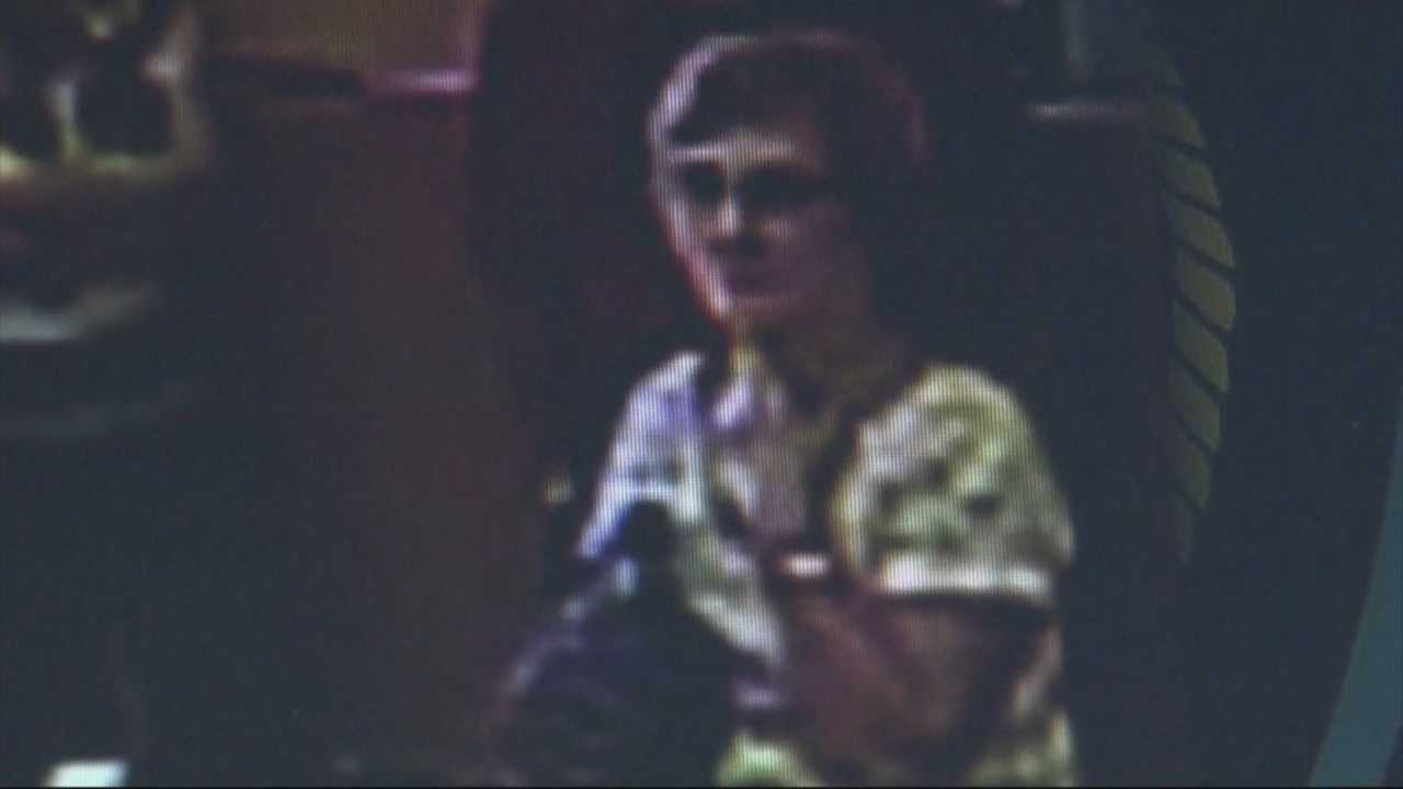 img-Police release surveillance video of tablet thief suspect