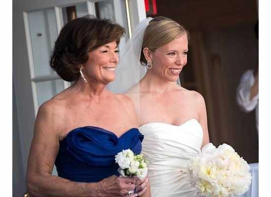 Lindsay and her mom.