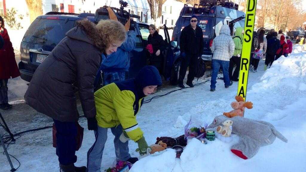 Gardner memorial to boy killed 020714