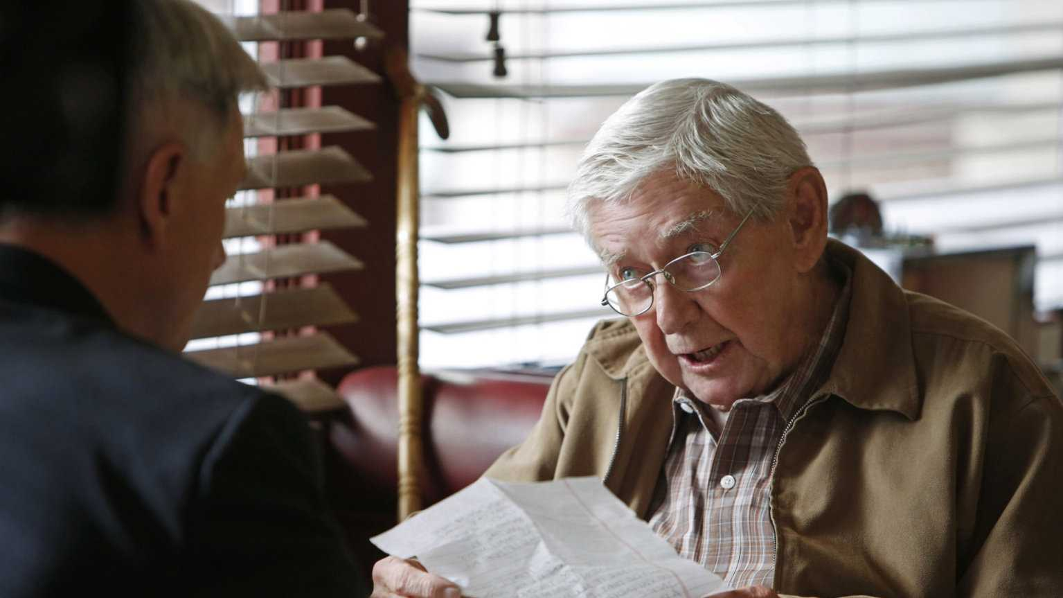 "Ralph Waite played the kind patriarch of a tight-knit rural Southern family on the TV series ""The Waltons."" ""The Waltons,"" which aired on CBS from 1972 to 1981, starred Waite as Ralph Walton, and Richard Thomas played his oldest son, John-Boy, an aspiring novelist. (June 22, 1928 – February 13, 2014)"