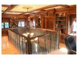 Astunning mahogany library.
