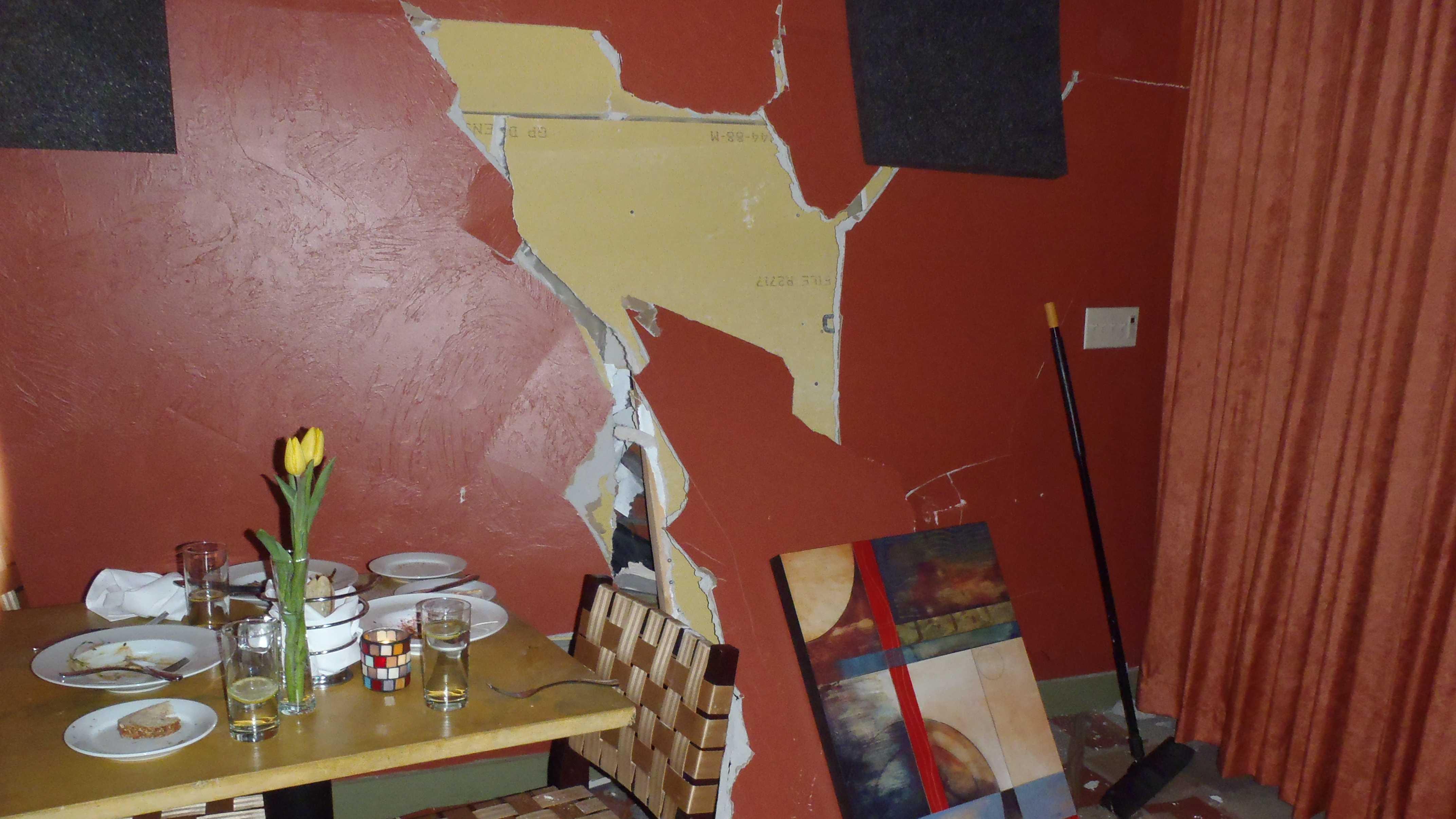 arlington restaurant crash 2 030214.jpg