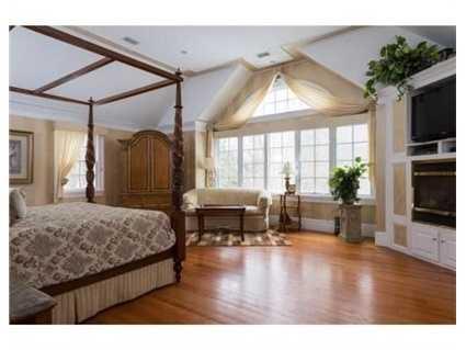 The second floor has 4 generous sized bedrooms.