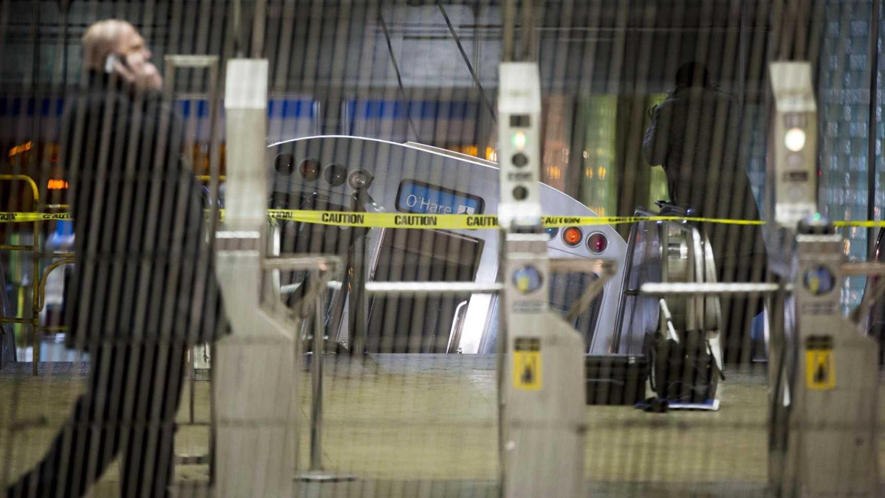 Chicago Train Crash O'Hare 0326 AP.jpg