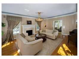 The home offers formal dining & living rooms.