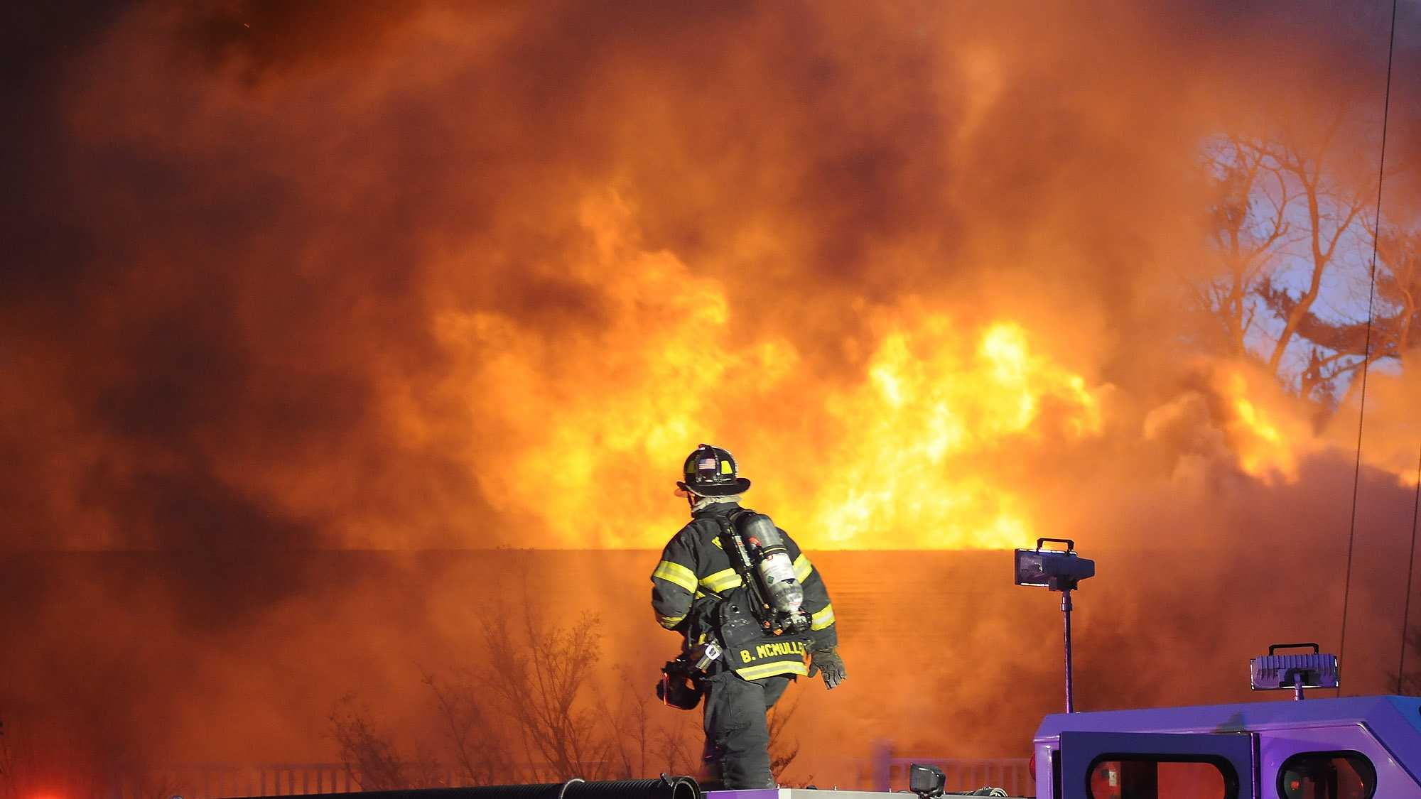Lakeview Pavilion Fire 031A.jpg