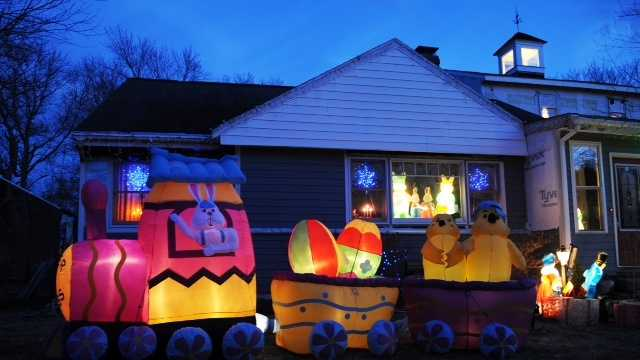 Christmas Rockland mv 040914-3.jpg