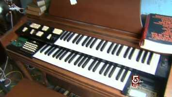 This organ, found on Davis Street, in great, working , order.
