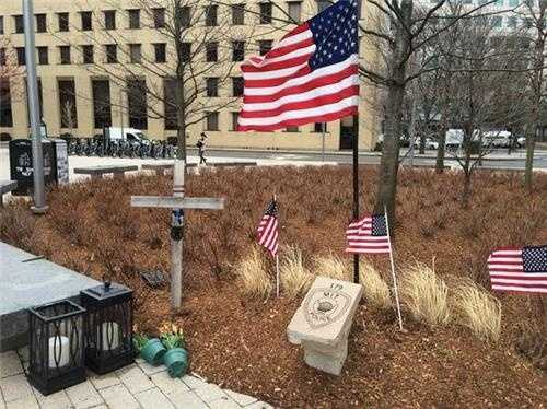 A temporary memorial on the MIT Campus for fallen officer Sean Collier.