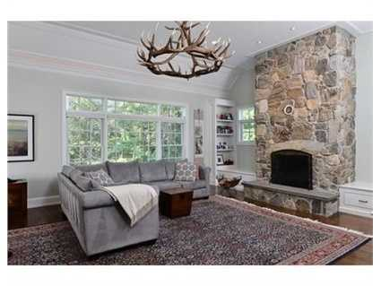 The home has m ore than 6,500 square feet of living space.