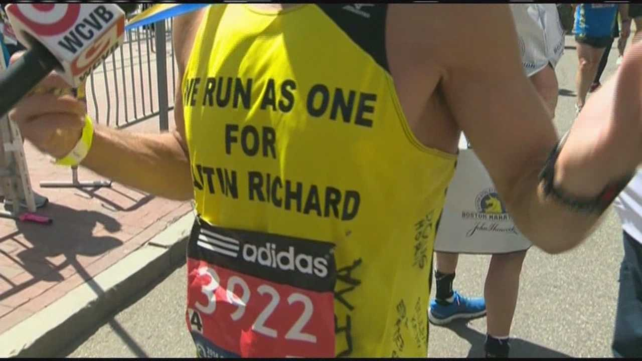 Hundreds run for bombing marathon victims