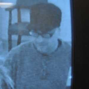 """Robbery - Case No. 140224March 28, 2014Somerset : St. Michaels Federal Credit UnionCase Details:On March 28, 2014, at approximately 1500 hrs, a male suspect passed a note to the bank teller requesting that she give him all of the money. The suspect is described as a 5'2""""-5'5"""" medium to obese white male, unshaven, wearing a black army style hat, dark green pullover shirt and jeans. Suspect fled on foot west on Shawomet Avenue.If you have any information about the identity of this person or where they are, please contact:Somerset Police Department: (508) 679-2138 x 312Investigator: Detective Jason MatosCase Submission No.: 140224"""