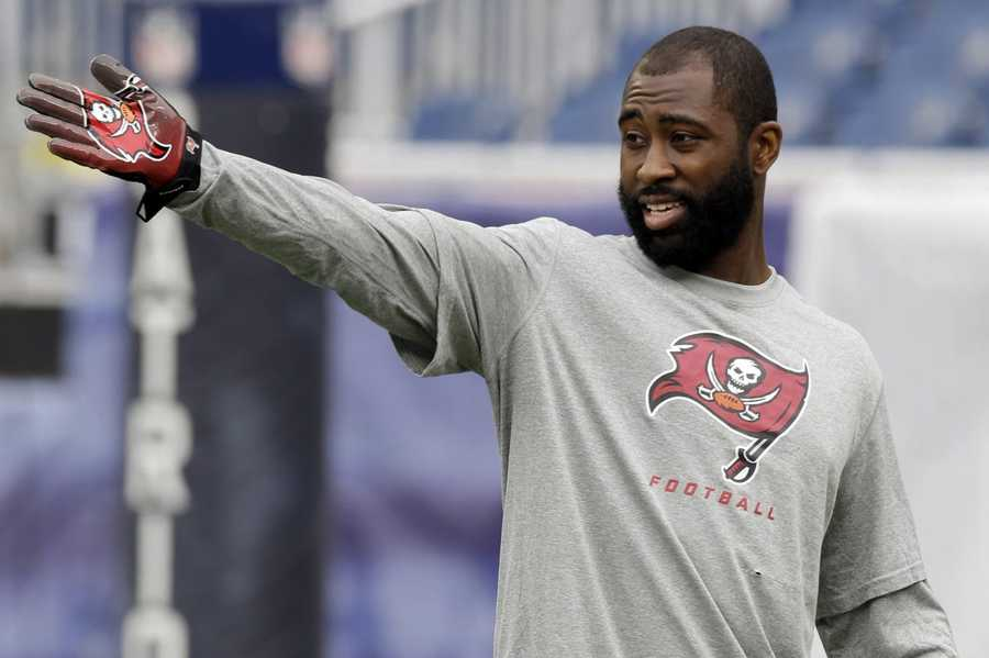 Darrelle Revis plays his first game against the New York Jets as a member of the New England Patriots.