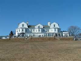 Swampscott has several public beaches and small parks and is home to the historic Mary Baker Eddy House. Swampscott High School ranks in the 2014 top 100 schools by US News & World Report. Swampscott has 13,787 residents.