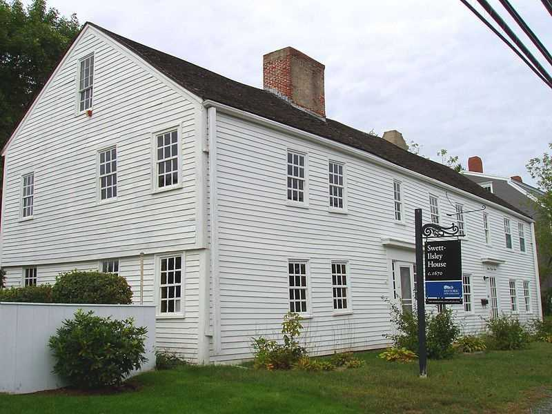 The Swett-Ilsley House in Newbury was built circa 1670.
