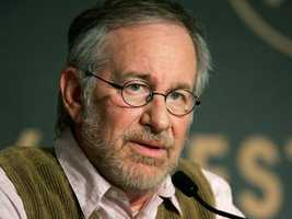 Director StevenSpielberg asked the art department to avoid red in both scenery and wardrobe, so that the blood from the attacks would be the only red element.