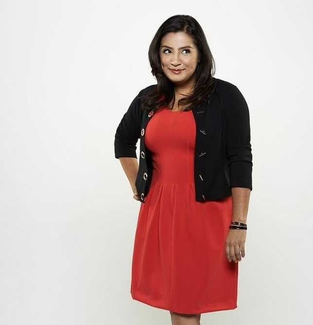 """""""Cristela"""" premieres Fridays at 8:30 p.m. ET/7:30 p.m. CT.Cristela Alonzo plays a law student who tries to balance her own ambitions with those of her more traditional family."""