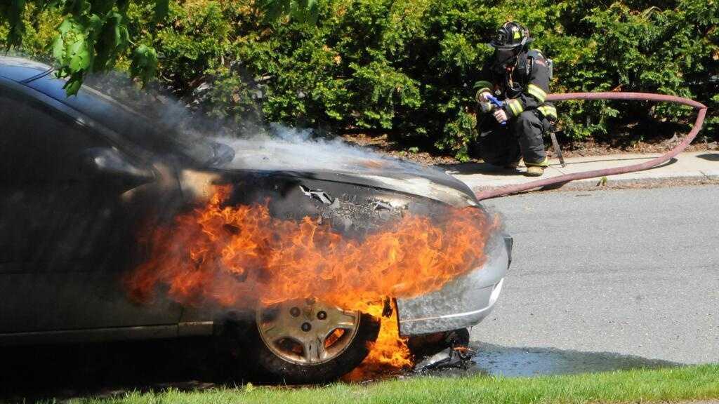 wellesley fire 051714.jpg