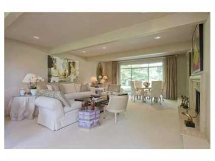 A splendid family room