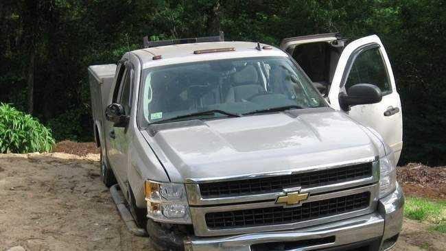 SUV sparks fires Plympton 0710.jpg