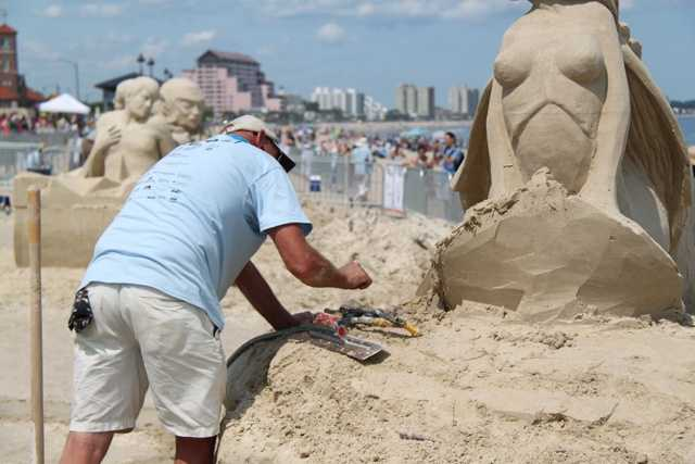 Sculptors receive approximately 12 tons of sand for the festival.