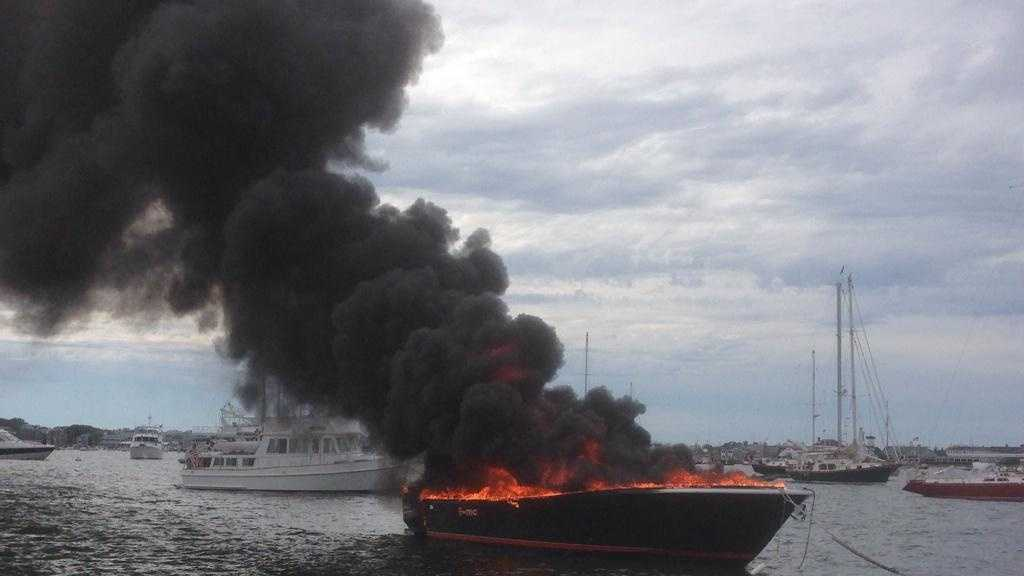 Nantucket boat fire 4 071914