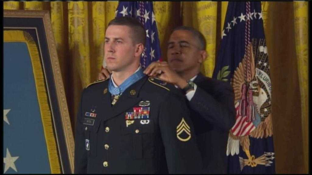 Ryan Pitts receives medal of honor 7.21.14
