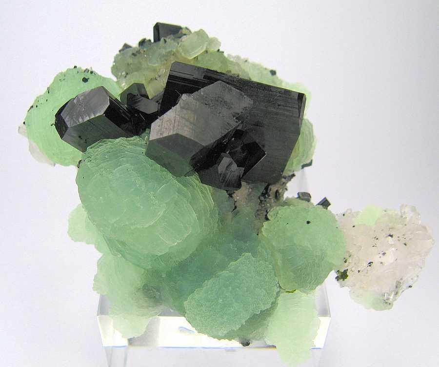 Babingtonite is the Massachusetts State mineral.