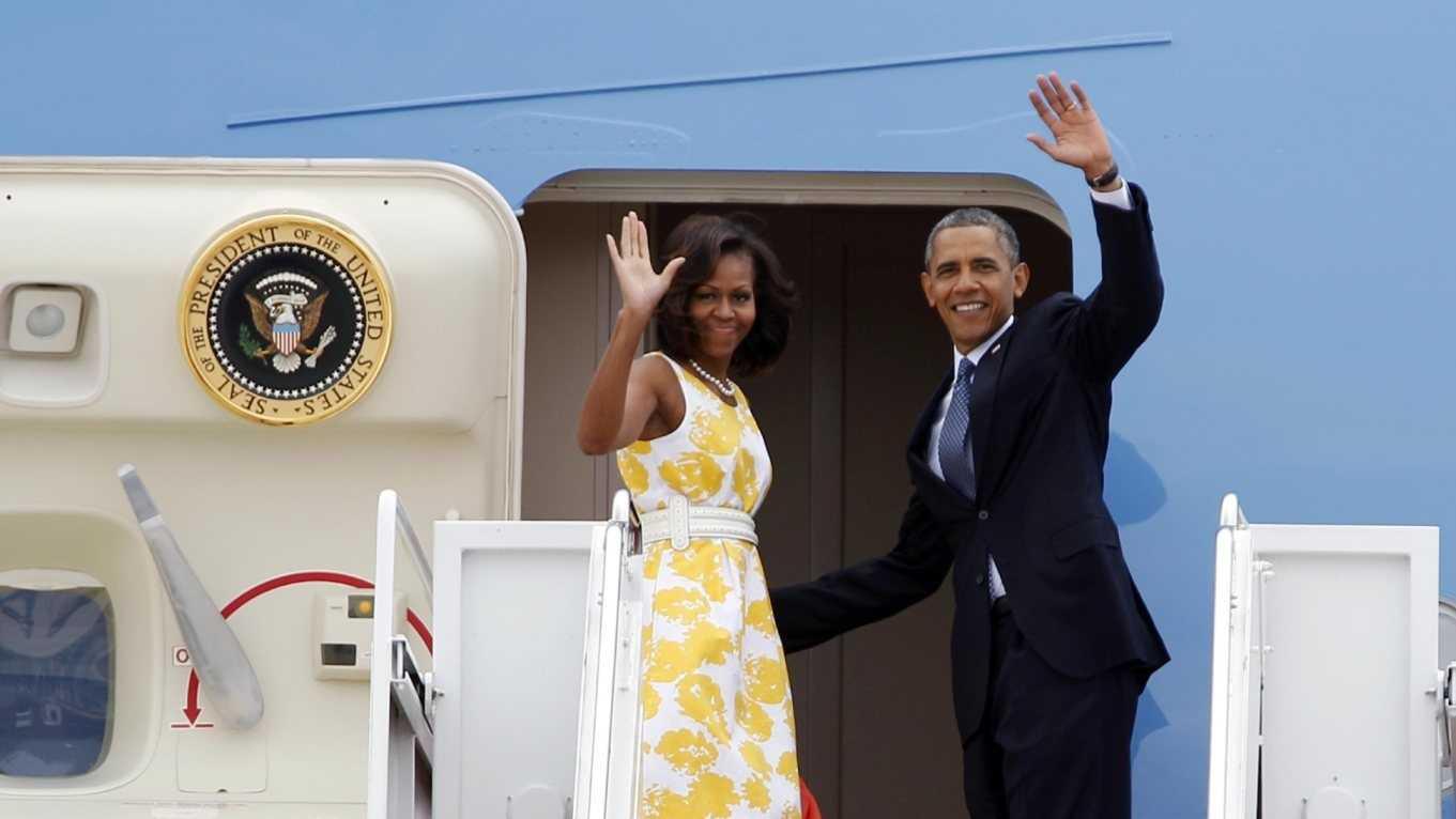 Barack Obama with Wife 082414.jpg