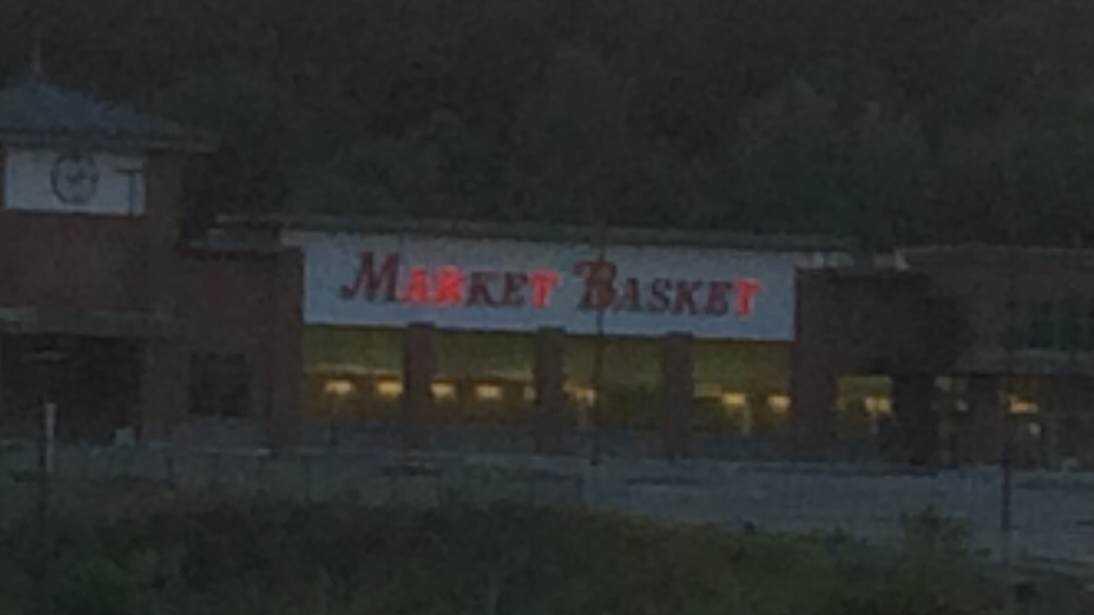 Market Basket lit sign
