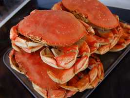 CrabA 132-pound person can safely eat 18 ounces per week.A 44-pound child can safely eat 6 ounces per week.
