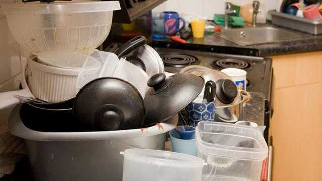 7. They never let dirty dishes pile up.