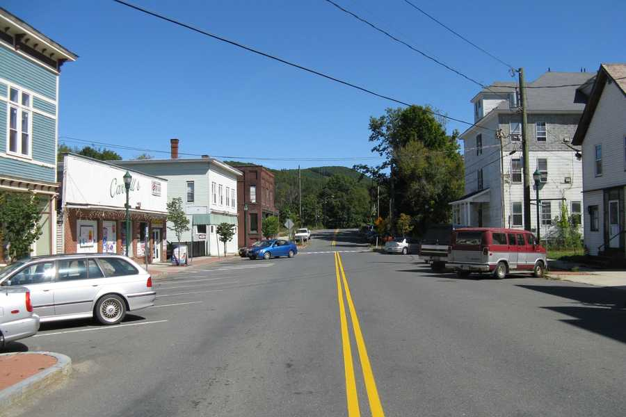 #22. Millers Falls. 12.3% of homes are single-parent households according to the U.S. Census data from 2012.
