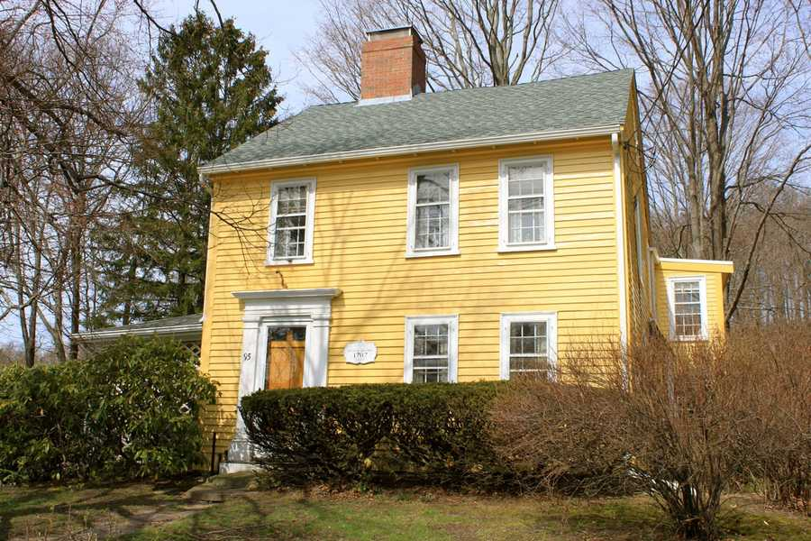 """The Simon Adams house at 95 High Street in Ipswich was built in 1700. Simon Adams was a soldier in the Narragansett Campaign against """"King Phillip"""", the hostile Indian chief and his followers.Read more at Historic Ipswich. All photos courtesy Gordon Harris, Town Historian.  Read his blog on Ipswich historic homes."""