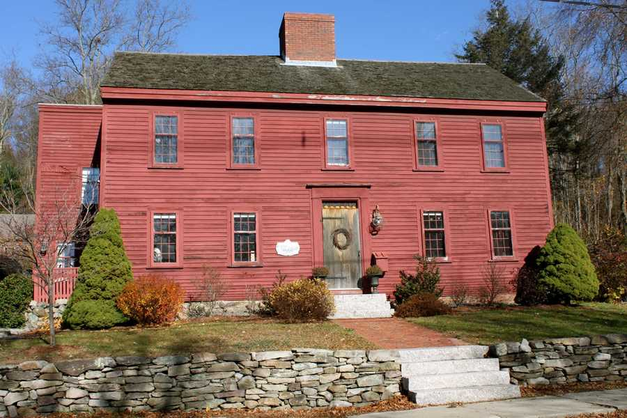 The Joseph Willcomb house at 13 Street is one of the oldest in the country. The oldest sections of this house were built in 1668.Read more at Historic Ipswich. All photos courtesy Gordon Harris, Town Historian.  Read his blog on Ipswich historic homes.