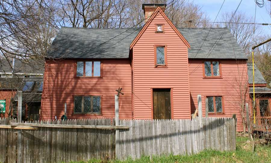 The Jordan-Snelling home is at 30 East Street and was built in 1700. Read more at Stories from Ipswich.All photos courtesy Gordon Harris, Town Historian.  Read his blog on Ipswich historic homes.