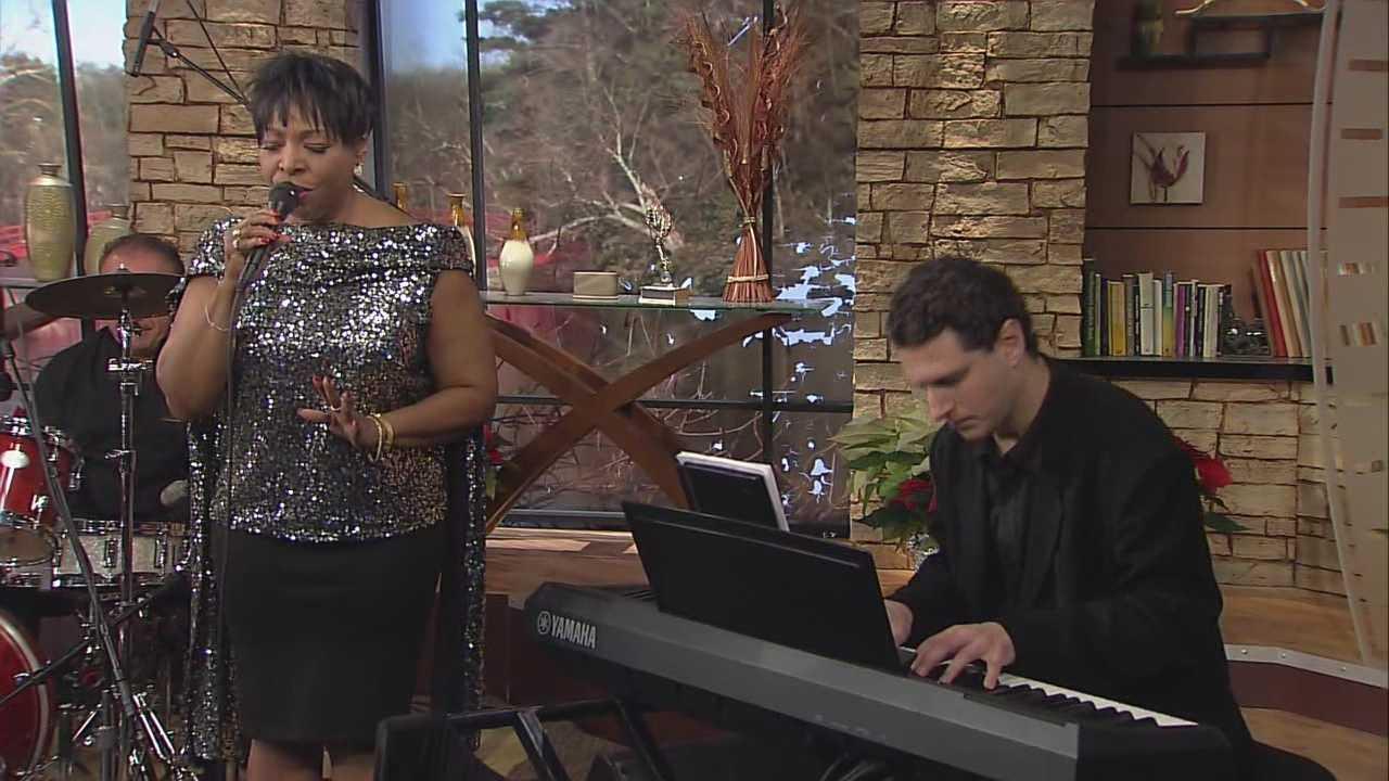 DD Gray Martin and her trio perform Christmas classics.