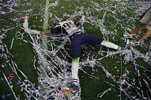 New England Patriots defensive end Chandler Jones (95) celebrates after the Patriots defeated the Seattle Seahawks 28-24 in NFL Super Bowl XLIX football game Sunday, Feb. 1, 2015, in Glendale, Ariz.