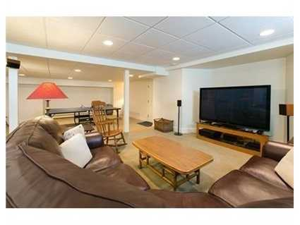 A prime location near Town Center conveniences, hiking trails, the Concord River, and commuting routes.