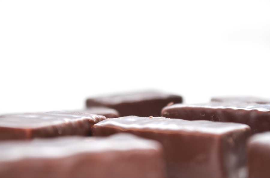 Antioxidants found in dark chocolate also cause the walls of blood vessels to relax, causing lower blood pressure and improved circulation. Varieties of dark chocolate that contain 70 percent cocoa or more can create a sense of euphoria.
