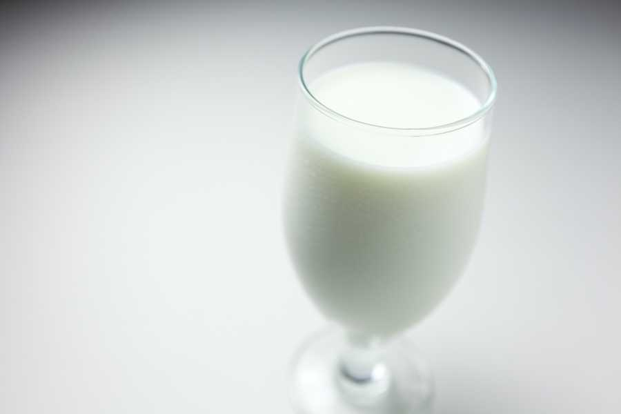 Milk: Fortified milk contains high amounts of vitamin D, a nutrient that has been shown to boost happiness. Research has also shown that reduced levels of vitamin D are associated with increased risk of panic and depression.