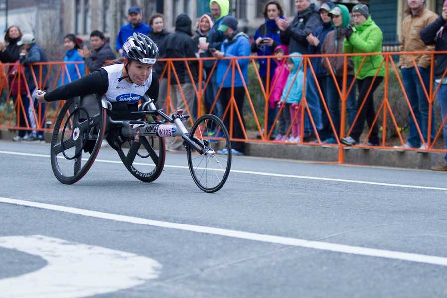 70 participants joined the push-rim wheelchairs marathon. Reilly, Shirley, coming from Arizona, passed by Coolidge corner. She finished race in two hour and three minutes.