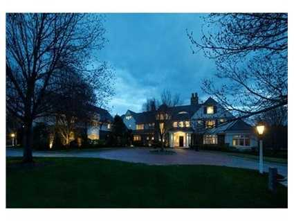 Rarely available so close to Boston, this major property offers every imaginable comfort as well as grand scale living and a perfect setting for entertaining.