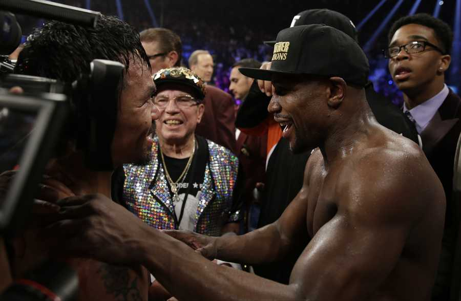 Celebrities, including many Boston celebrities, turned out in droves to take in Saturday's fight between Floyd Mayweather Jr. and Manny Pacquiao at the MGM Grand in Las Vegas.