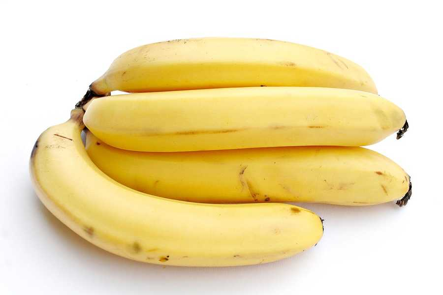 Bananas with almond butter: Bananas contain high amounts of vitamin B6, which helps boost serotonin, which helps foster feelings of well-being and happiness.