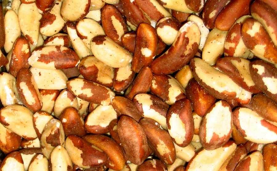 Brazil nuts: Two Brazil nuts contain your recommended daily dose of selenium, a mineral that helps fight internal inflammation and also combats premature aging.
