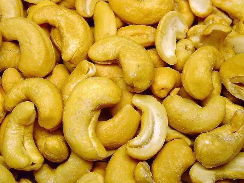 Cashews also contain high amounts of zinc, a mineral that boosts your immune system in times of stress.