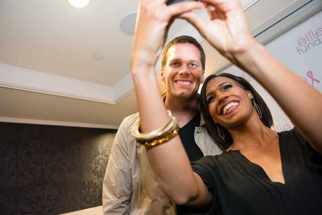 "Chronicle's Shayna Seymour takes a ""selfie"" with Tom Brady"
