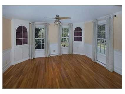 Generous sized rooms, high ceilings and hardwood floors throughout.
