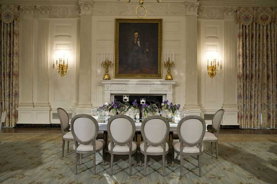 The State Dining Room was last refurbished in 1998, during the administration of President Bill Clinton.  The photo shows its appearance before the redecoration.